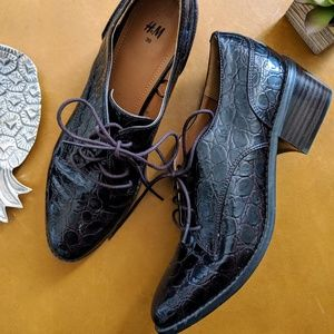 H&M oxblood croc vegan leather oxford lace shoes